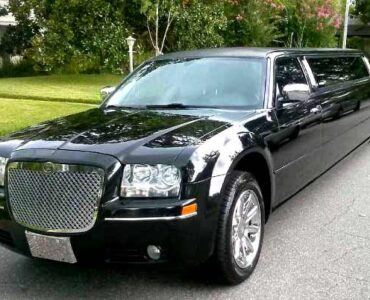 Chrysler 300 limo service Brockport