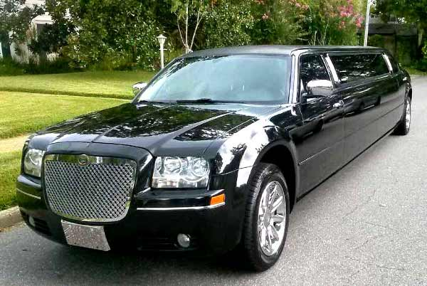 Chrysler 300 limo service Greece